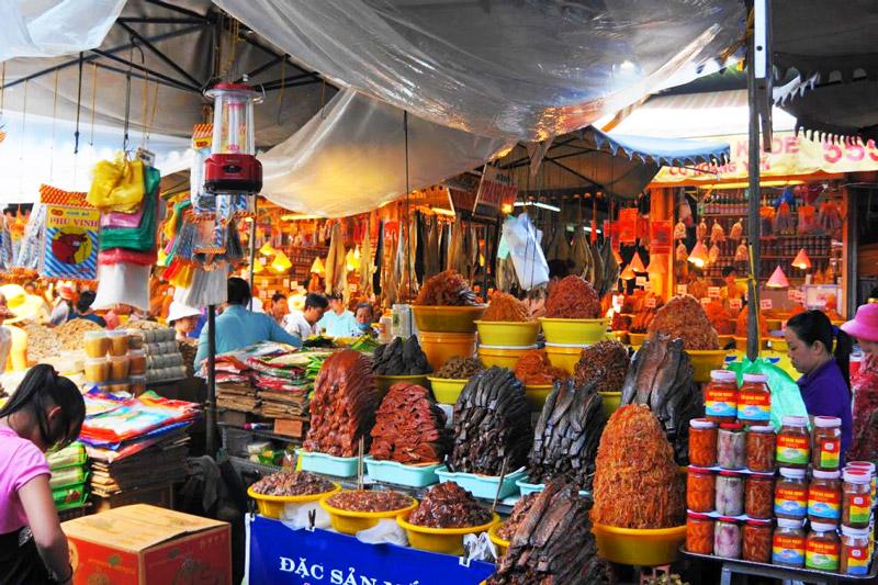 Quầy bán các món đặc sản An Giang