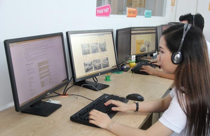 Thủ tục thuê xe 7 chỗ đi tham quan Nha Trang được nhân viên tư vấn kỹ lưỡng
