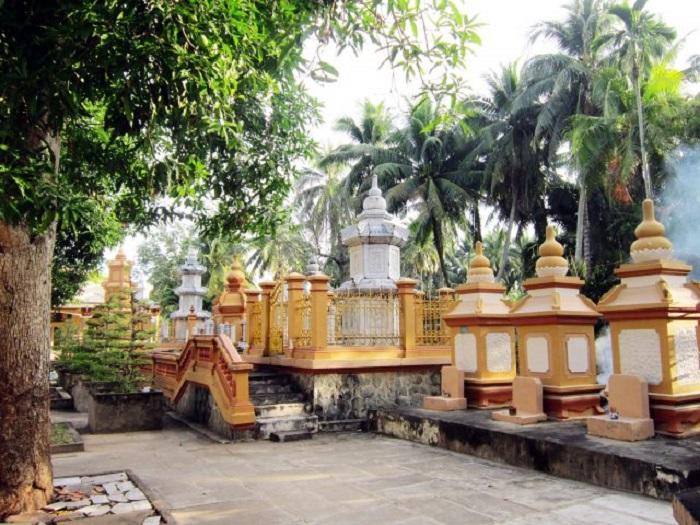 Một góc của Chùa Vĩnh Tràng cực đẹp