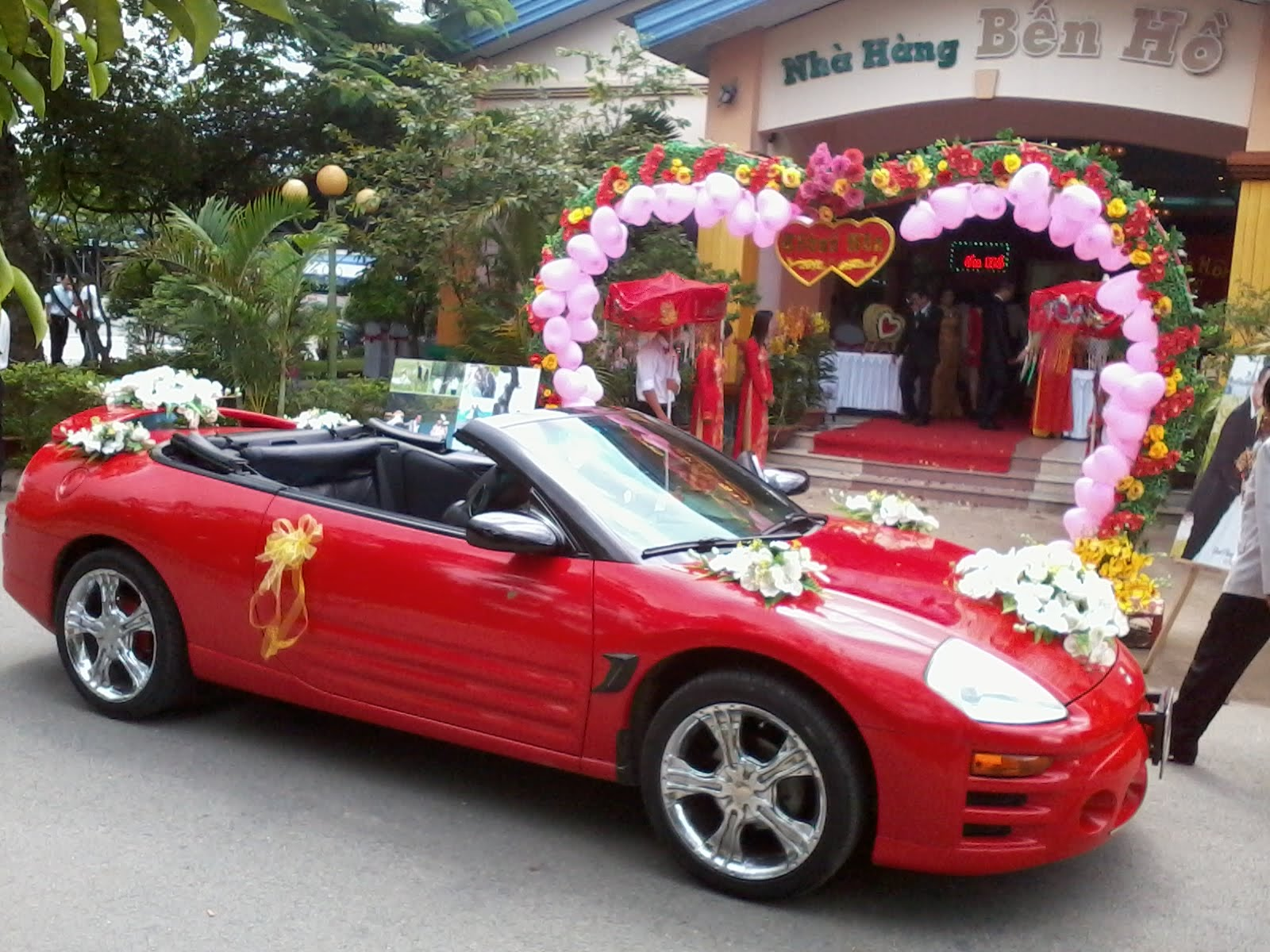 Cứ vui đi hãy để dịch vụ cho thuê xe cưới Tp.HCM lo lắng