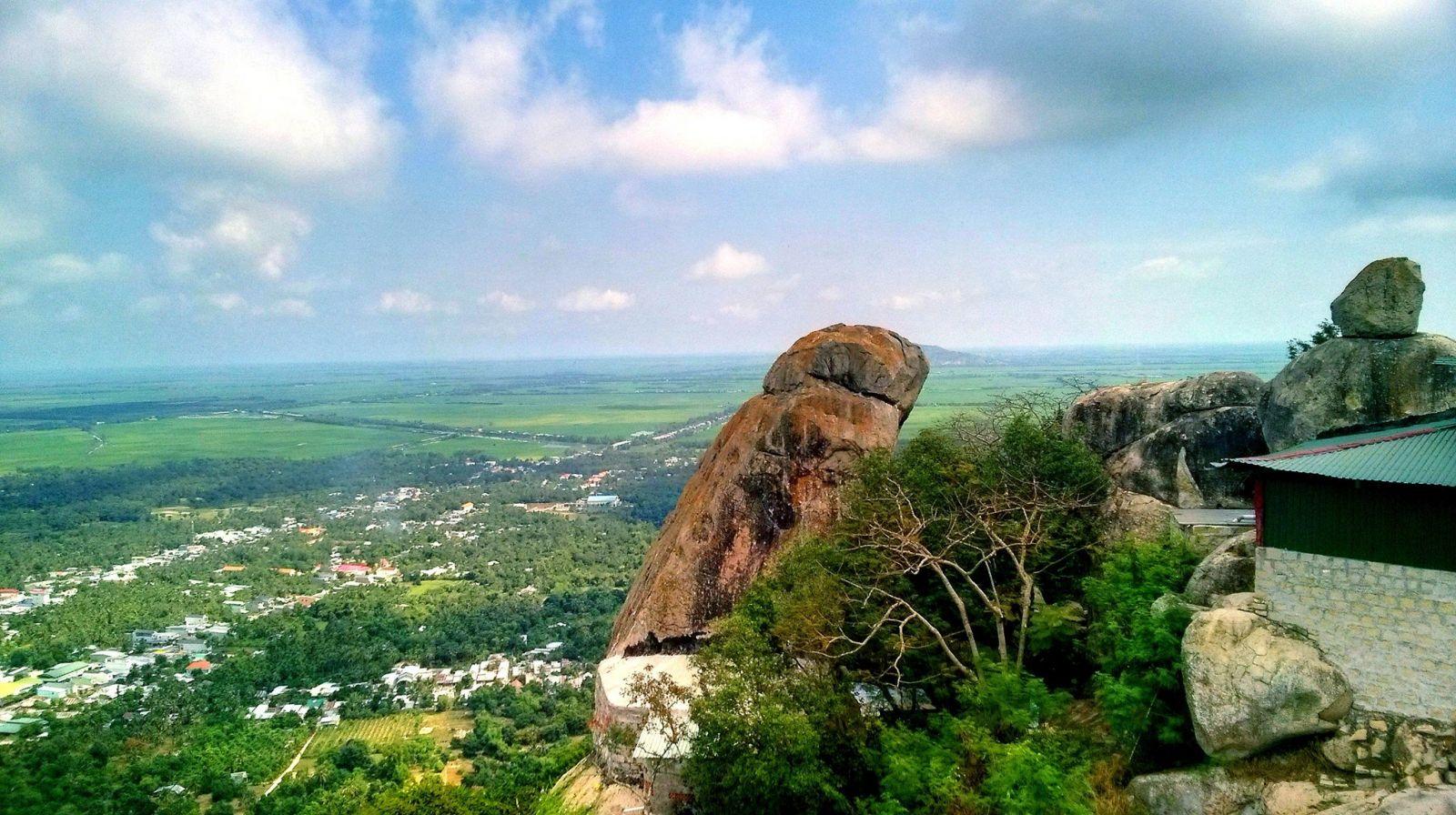 Về An Giang khám phá vẻ đẹp hoang sơ của Núi Két