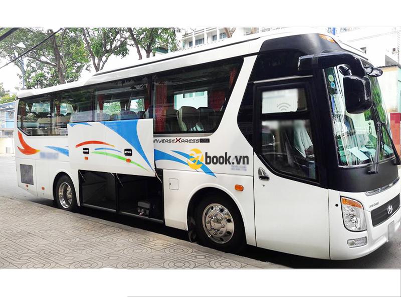 xe 29 chỗ ezbook