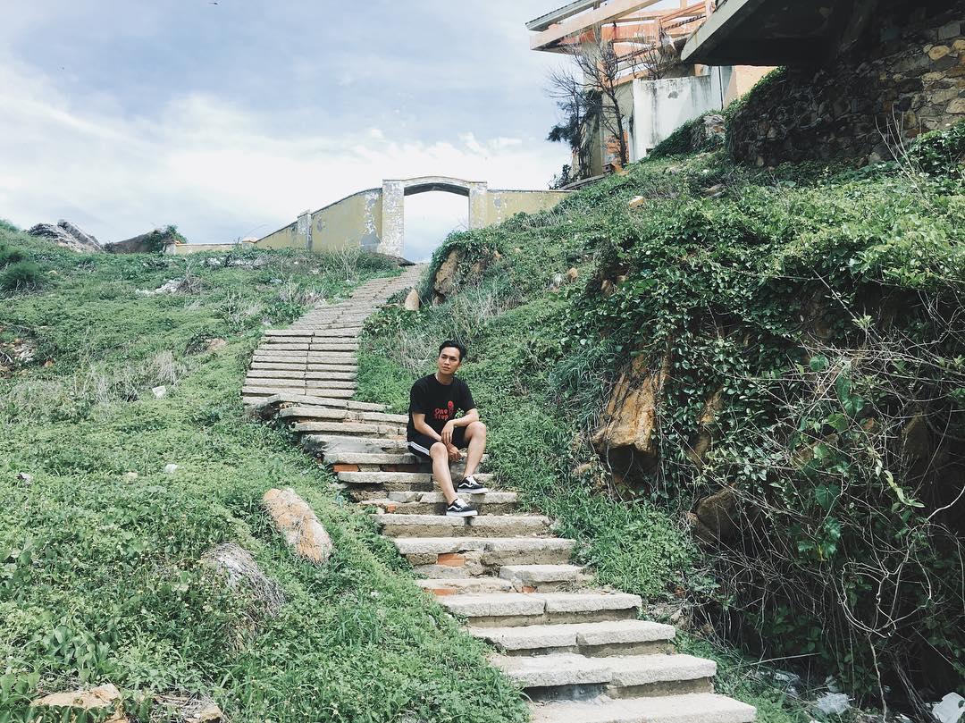 Khung cảnh tại Mũi Nghinh Phong