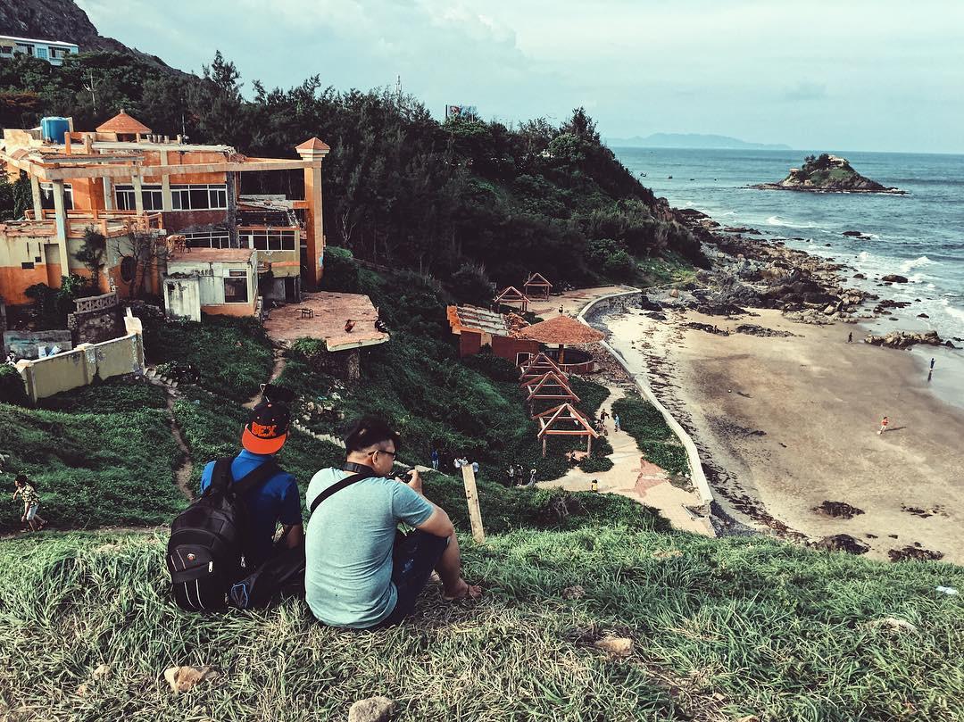 Phong cảnh non nước hữu tình tại Mũi Nghinh Phong