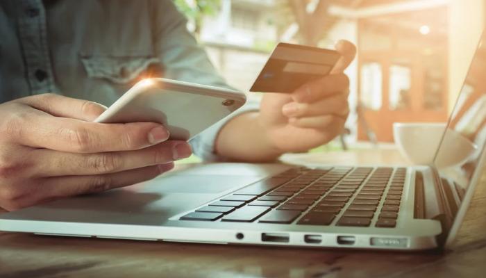 Thuê xe thanh toán bằng hình thức online vô cùng tiện lợi
