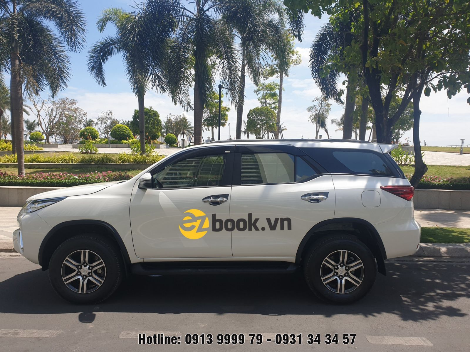 Dịch vụ thuê xe giá rẻ Ezbook.