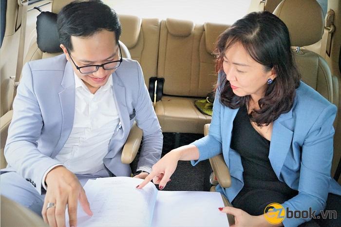 Hỗ trợ thủ tục cho khách hàng khi thuê xe tháng nhanh chóng