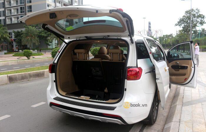 Xe 7 chỗ với khoang để đồ rộng