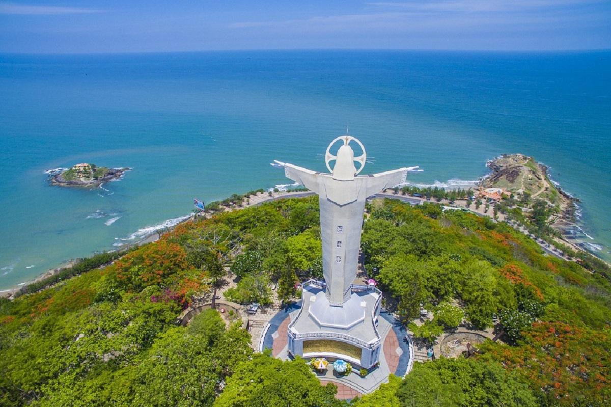 Hình ảnh Tượng Chúa Ki-Tô Dang Tay để lại ấn tượng trong lòng khách du lịch